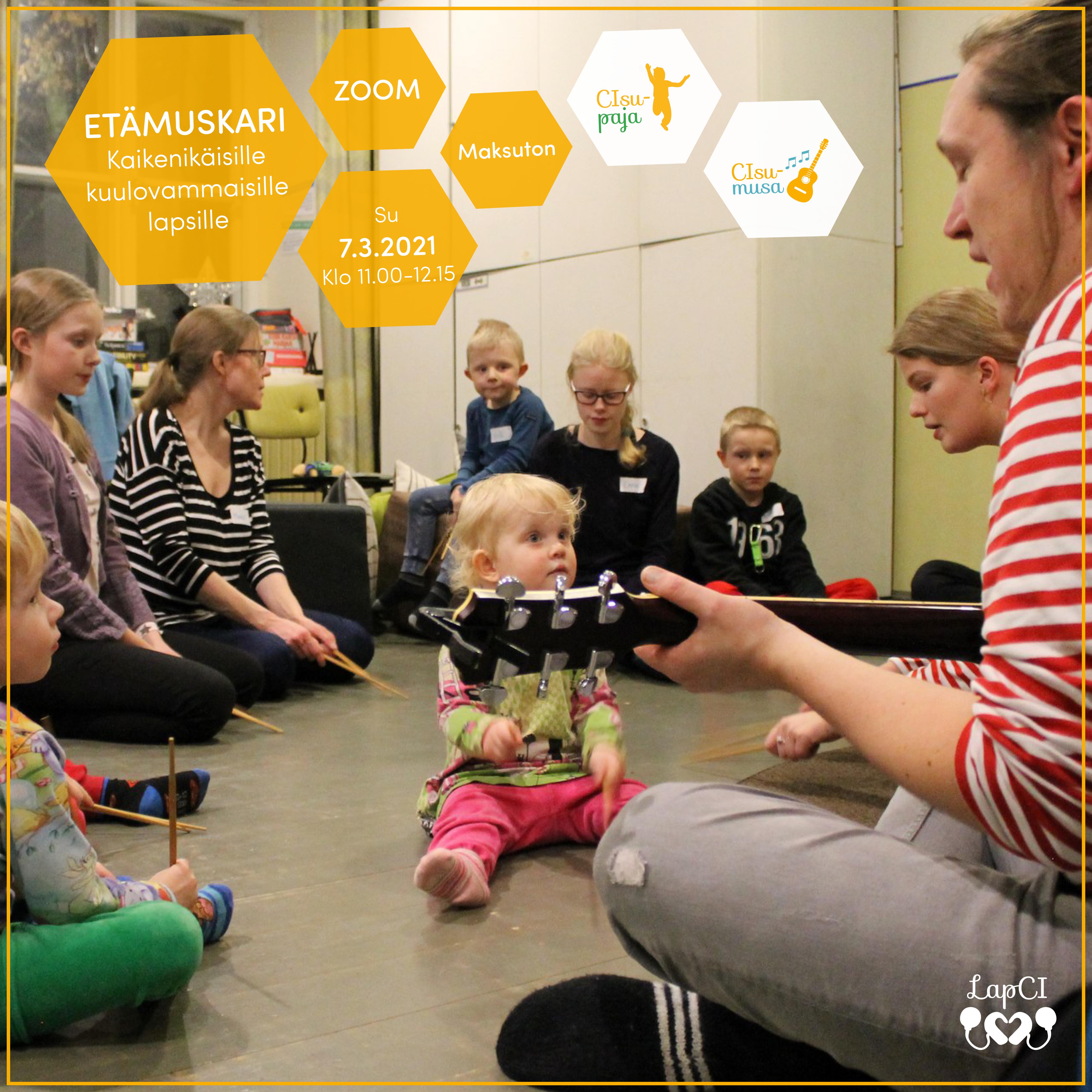 Kuvassa etämuskarin ohjaaja Juha-Matti leikittämässä perheitä